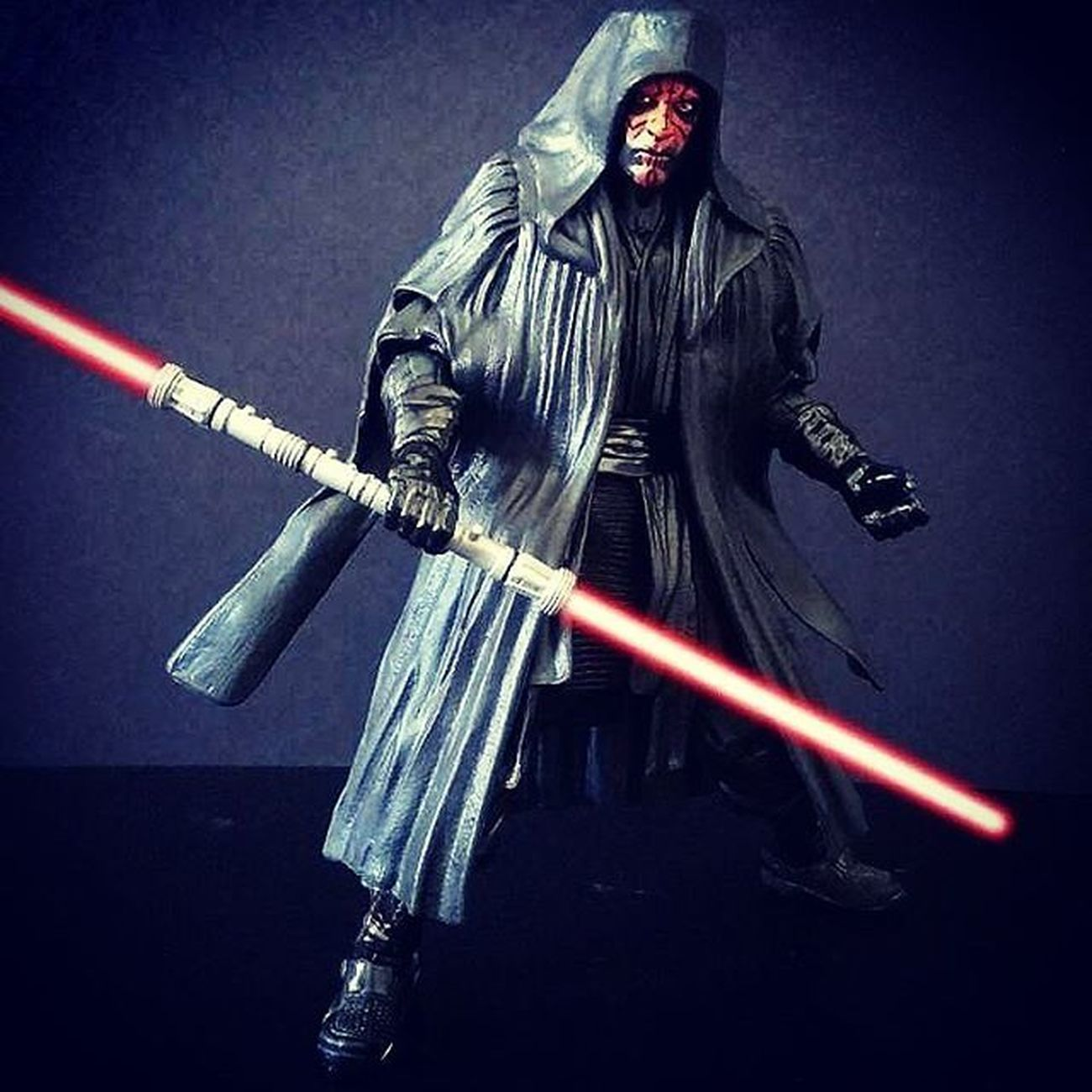 Ok so this is my first proper attempt of doing lightsaber effects on my phone. What do people and my IG Star Wars friends think? I'm open to anyone willing to critique and offer advice to improve. Starwarsblackseries StarWarsCollector Starwarsfigures Starwarstoypix Starwarstoyfigs HasbroStarWars DarthMaul OldMaster Sithlord Starwarsactionfigures Toyphotography Toystagram Hobby Starwarsgeek GeekPhotography BlackSeries6Inch Starwarstoys Realmofcollectors Toyunion Toygroup_alliance