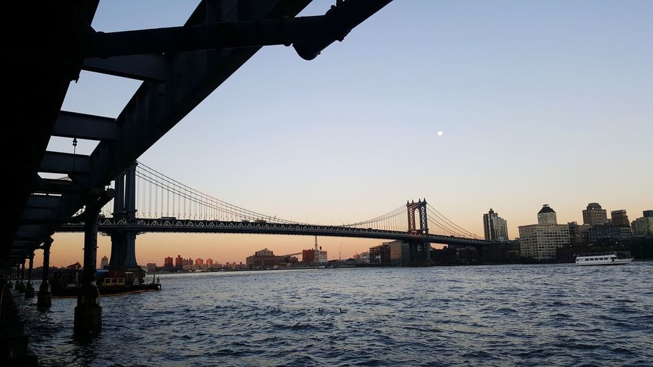 Bridge - Man Made Structure Travel Destinations Silhouette_collection Urbanexploration Urban Skyline Sunset_collection Manhattan Bridge Eastriver Cityscape High Tide Choppy Waters Dusk In The City Breathing Space Lost In The Landscape Colour Your Horizn