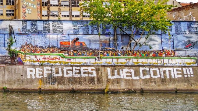 Don't Believe the AfD! Refugees Welcome Refugeeswelcome Graffiti Spree Spree River Berlin Berliner Ansichten Political Street Art Painting Colourful Colorful Waterfront Building Exterior Riverbank Famous Place Water Battle Of The Cities