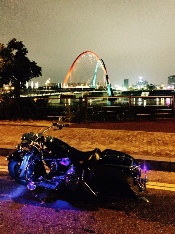 Night Ride Bridge Motorcycles Harleydavidson Light And Shadow Expo Bridge Hello World Hanging Out IPhoneography My Point Of View Around The City  Check This Out