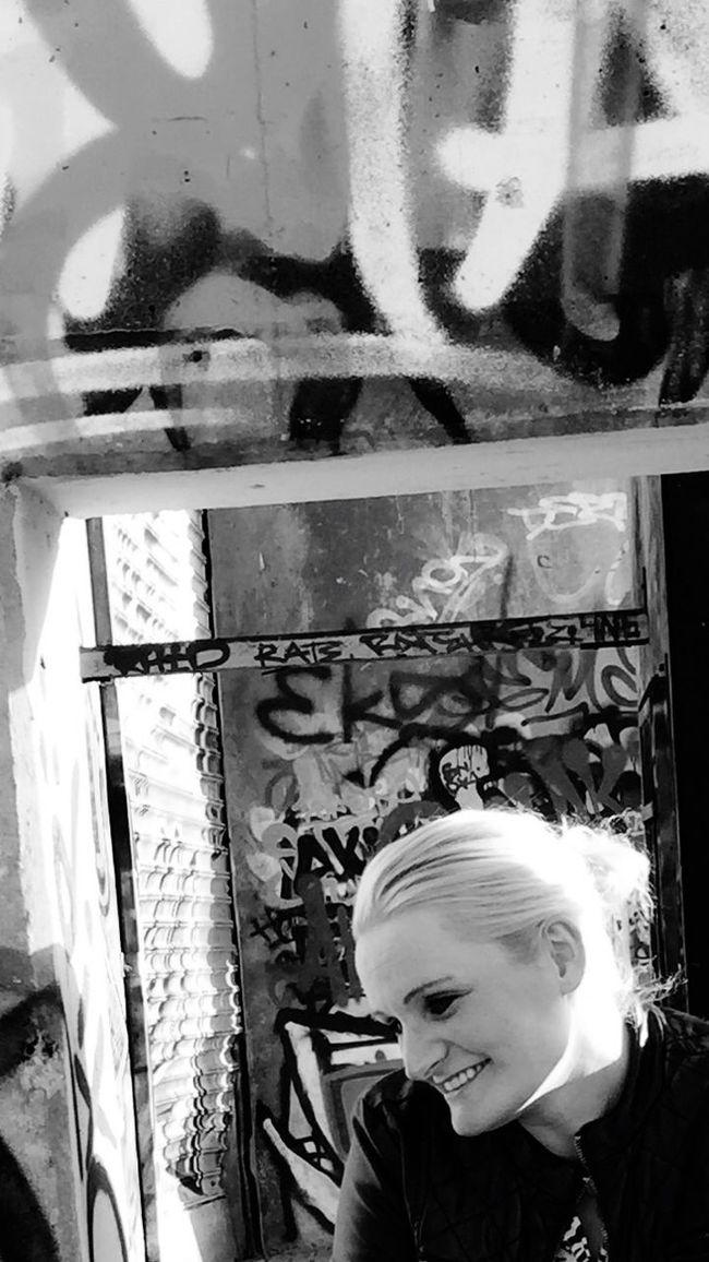 Blackandwhite Eye4photography  IPhoneography Walking Around Friends Lovethewayyousmile Graffiti Streetphotography ThatsMe Enjoying Life