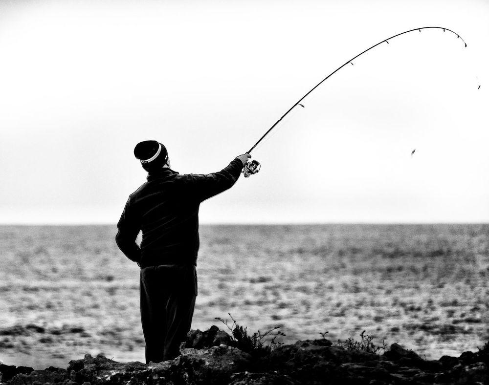 Mare Pescatore Hobby Passatempo Blackandwhite Black And White Black White Solitary Costa Fascinosa