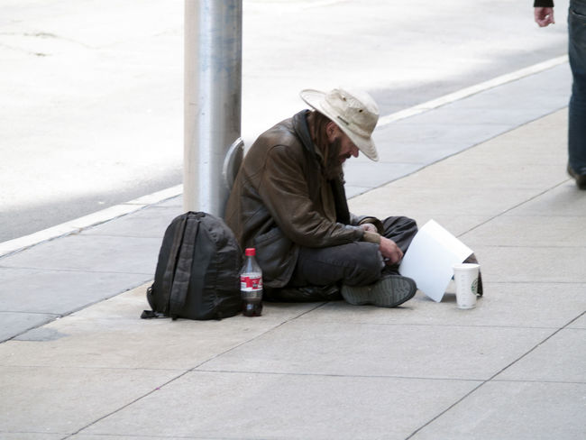 Beg Begger Begging California Casual Clothing Drifter Drifters Homeless Homeless Man Homeless Or Just Chillin' Homeless People Homeless Person Homeless Sitting Homelessman Homelessness  Lone Traveller Lonelines Loner Loner Life San Francisco Sitting Sitting Alone Street People Vagrancy Vagrant