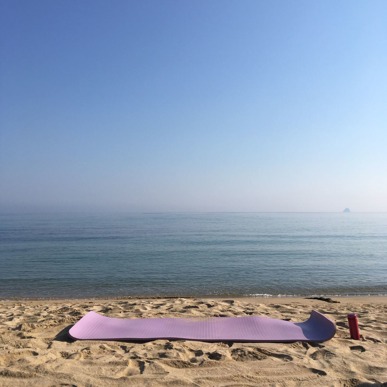 Sea Beach Water Beauty In Nature Horizontal Line Outdoors Pilateslovers Mat Yoga Pilates Beachpilates Nature Sand Clear Sky No People Early Morning Tranquil Scene Meditation Beauty In Nature Happy Time