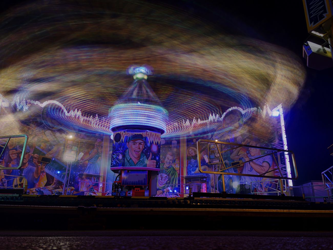 Thrill Rides Light Trails Motion Blur Concentric Circles