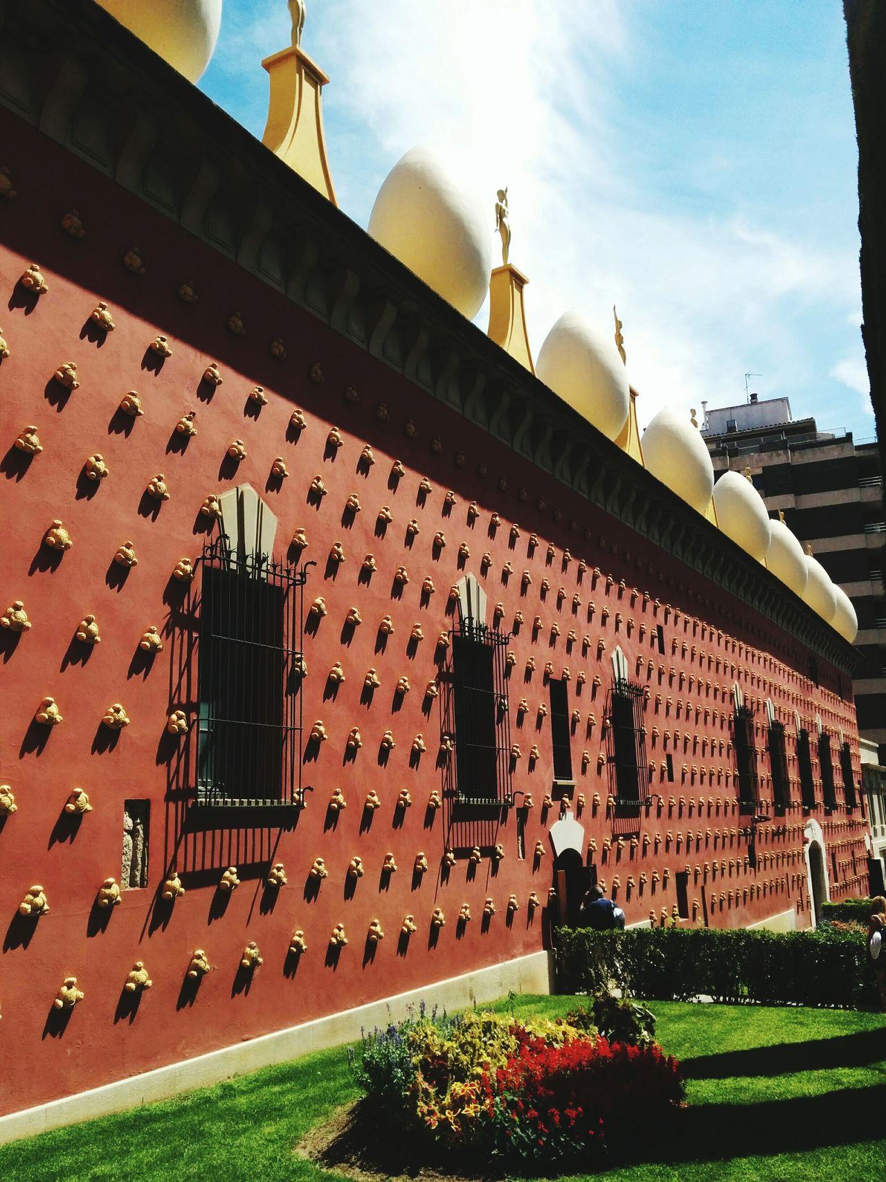 Amazing Architecture Salvadordali