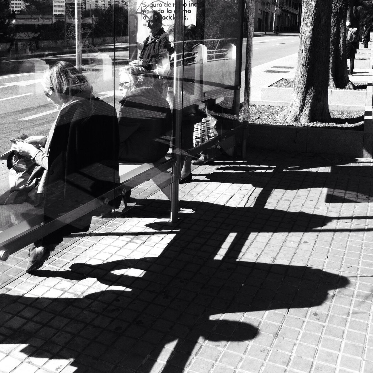 Bus stop / Streetphotography Streetphoto_bw Blackandwhite AMPt_community
