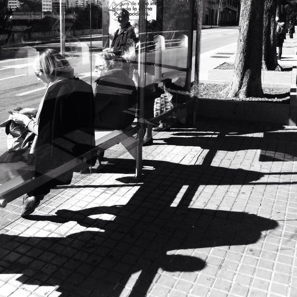 Bus stop / Streetphotography Streetphoto_bw Blackandwhite AMPt_community