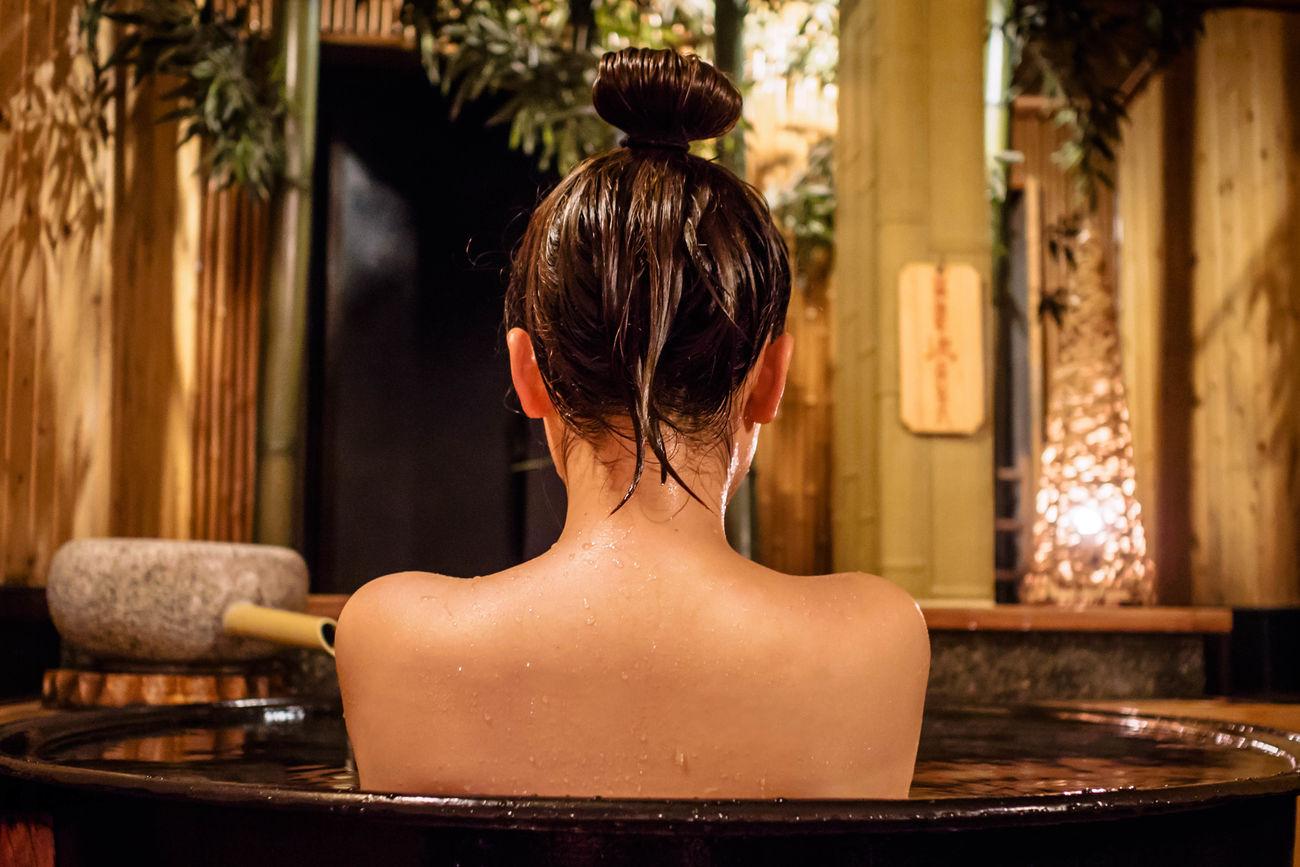 At Kinosaki hot springs. Hotspring Onsen Japan Kinosaki Beautiful Beautiful Girl Bath 温泉 城崎温泉 お風呂