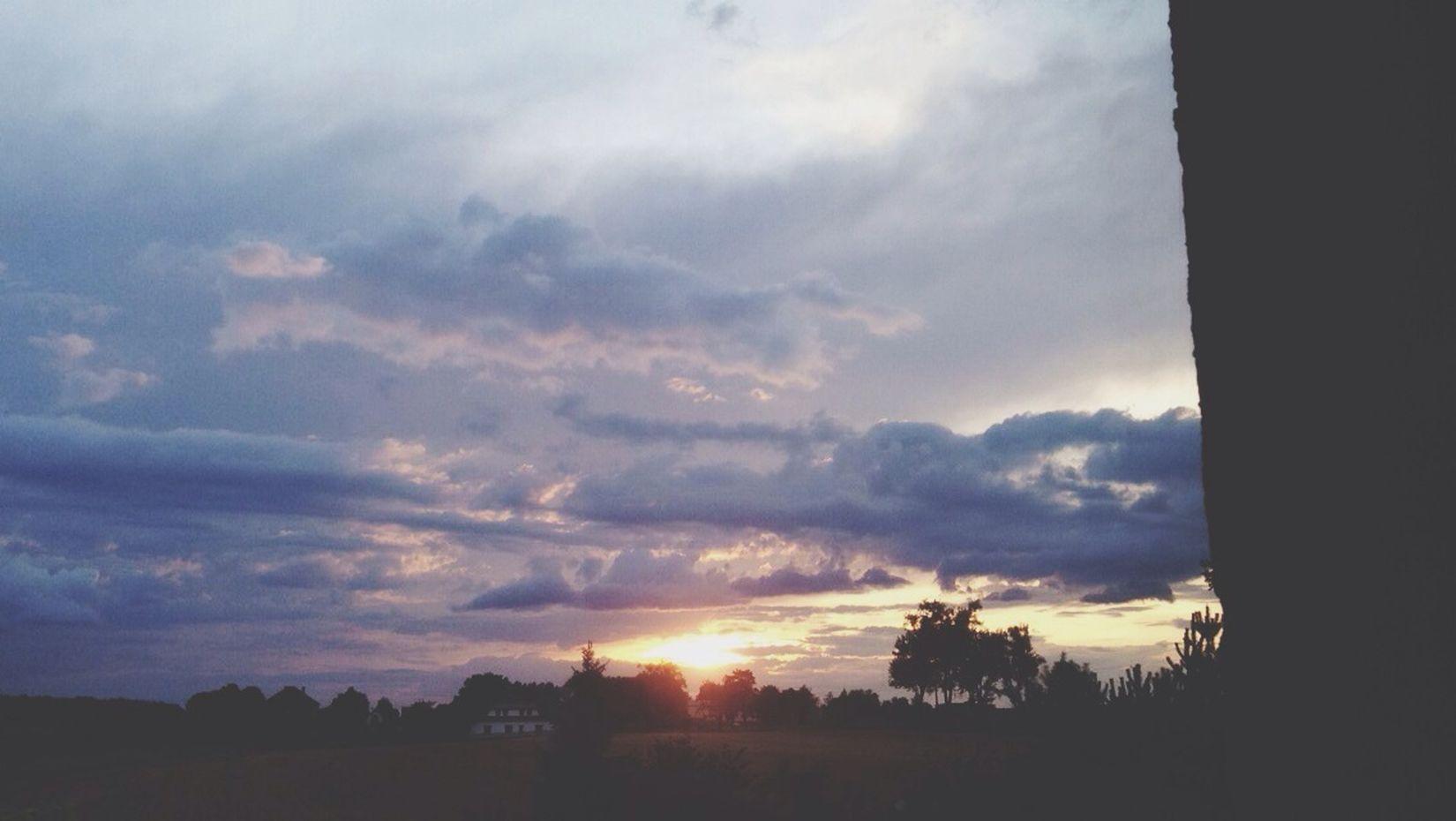 Still the sky miss you - L Hello World First Eyeem Photo