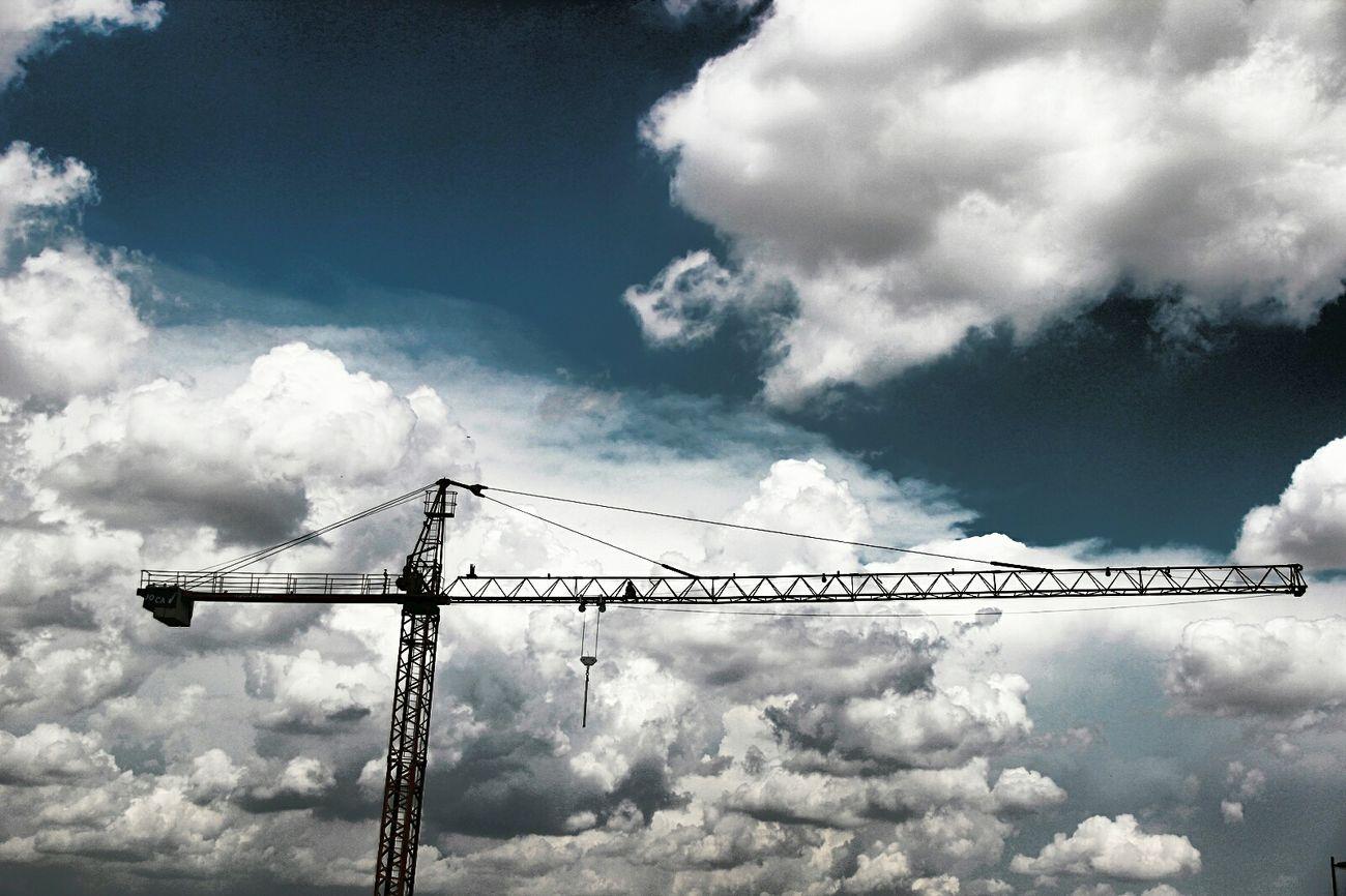 Grua Sky Cloud - Sky Cielo Y Nubes  Nubesdealgodon The Street Photographer - 2017 EyeEm Awards EyeEmNewHere