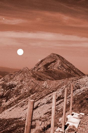 An extraterrestrial interpretation of Mount Cuna in Appennino Tosco Emiliano, Italy Extraterrestrial  Landscape Life On Mars Mars Mountains Nature Rocks Rocky Scenics Sky Skyporn Space SpaceShip Sun