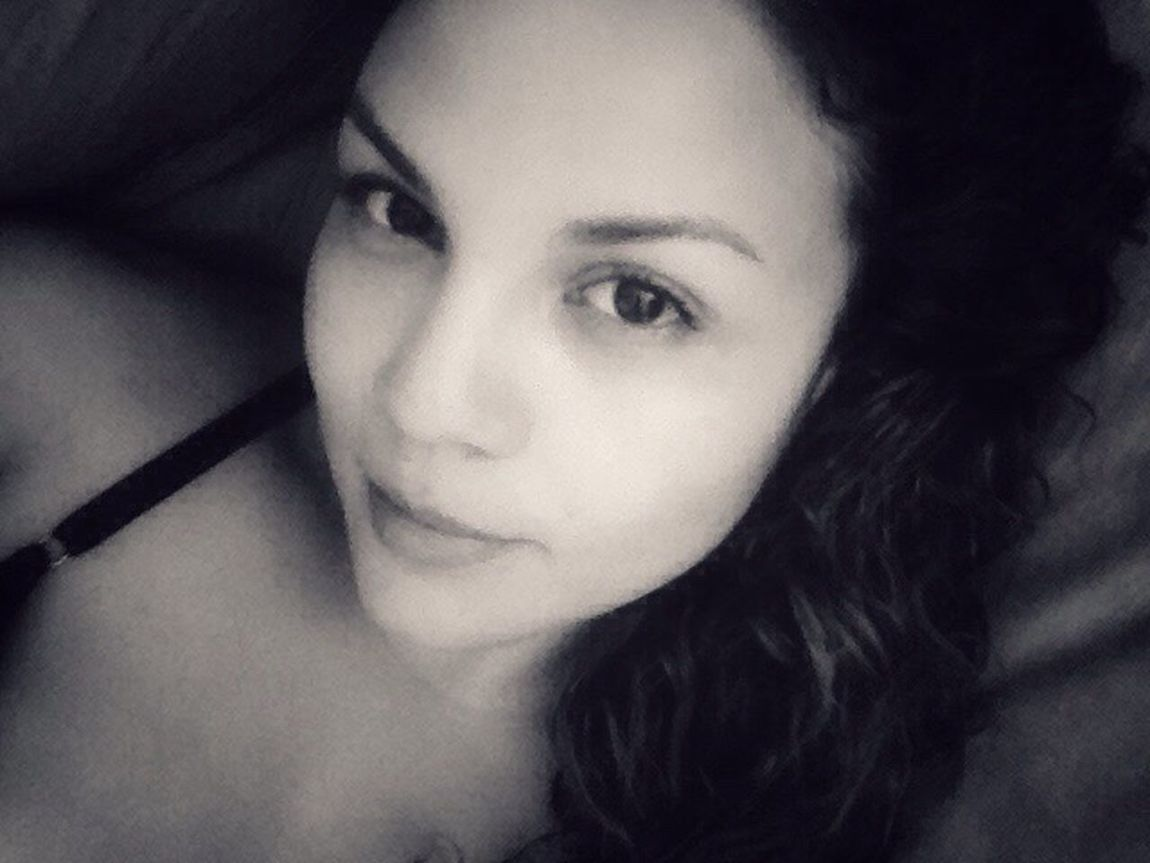 Me Portrait Of A Woman Selfie Black And White Puertorriqueña Faces Of EyeEm Latina Face EyeEm Woman Look