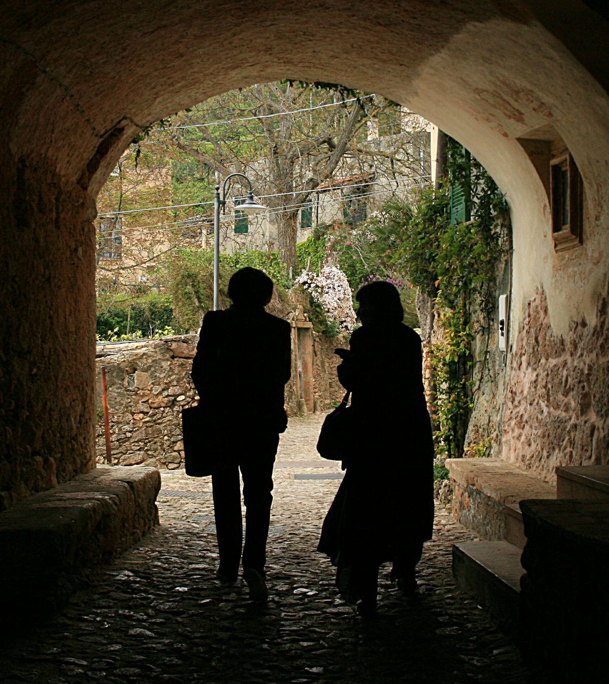 Verezzi Contrast Light And Shadow Walking Around Memories Friends Likeadream Getting Inspired