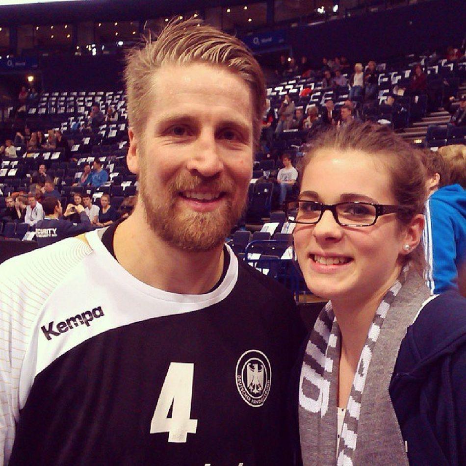 """Oli """"the Rogg """" Roggisch and me :) Deutschland DHB Oli Supercup Hamburg Deutschland Ägypten 4 guter Mann geiler Tag 36:26 gewonnen @annikarichter96 @jessicastreib @marleen_fel @marie_loe"""