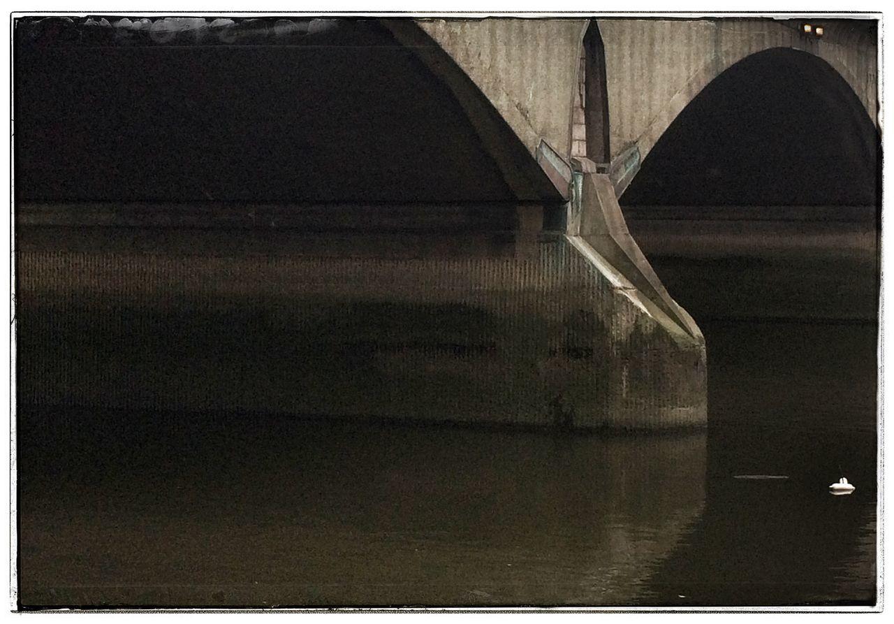 Twickenham Bridge Architecture