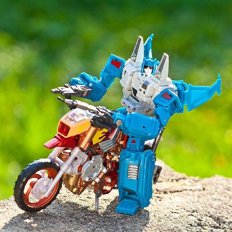 Topspin & WreckGar Topspin WreckGar Transformers Transformerstoys Actionfigures Actionfigurecollections Toys Toy Toystagram Toycollector Toycommunity Toyphotography Cybertron MoreThanMeetsTheEye Robotsindisguise Robots Toycollectors Plastic_crack_addicts