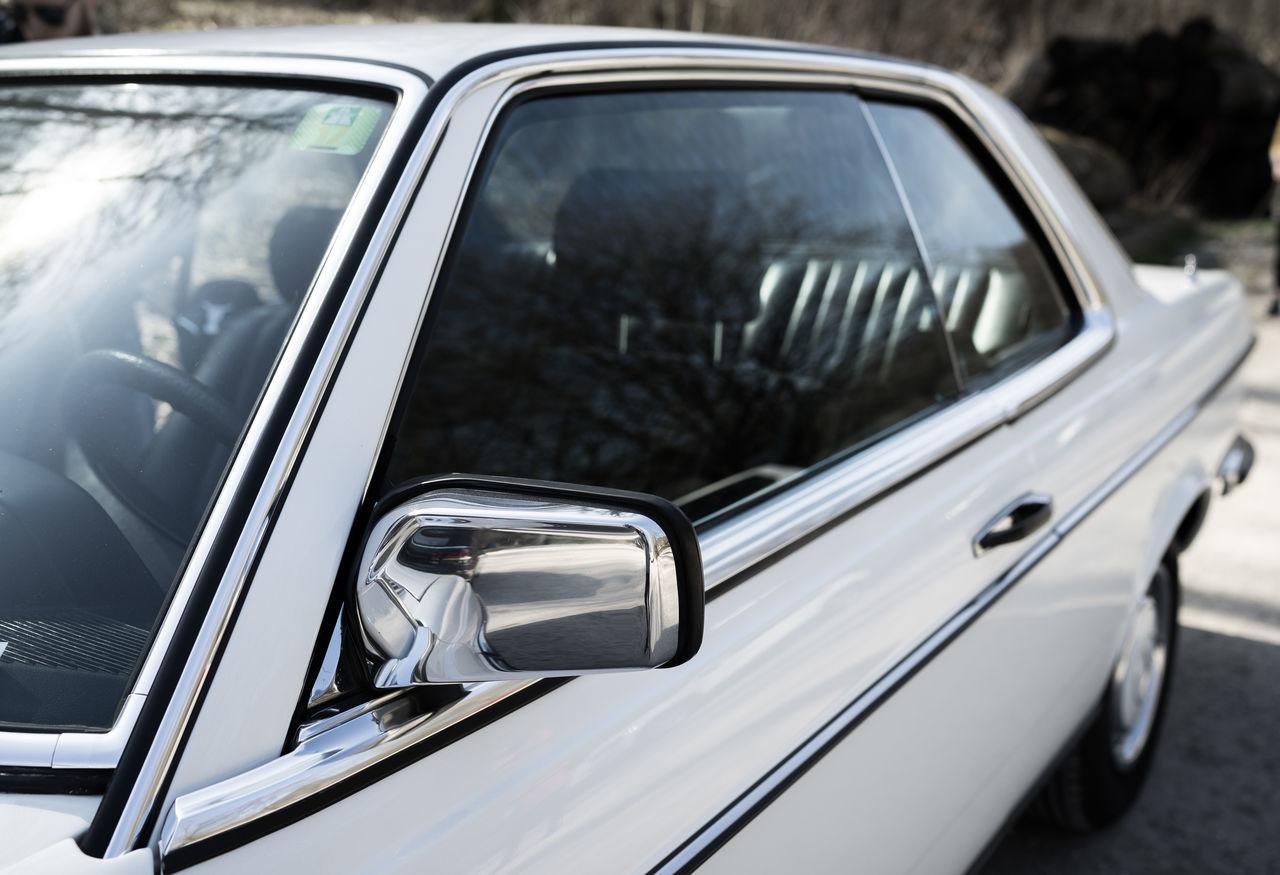 C123 CE230 DETAILS 0711 Car Close-up Collector's Car Land Vehicle Mercedes Mercedes-Benz Metal Mode Of Transport Old-fashioned Oldtimer Reflection Silver Colored Stuttgart Transportation W123