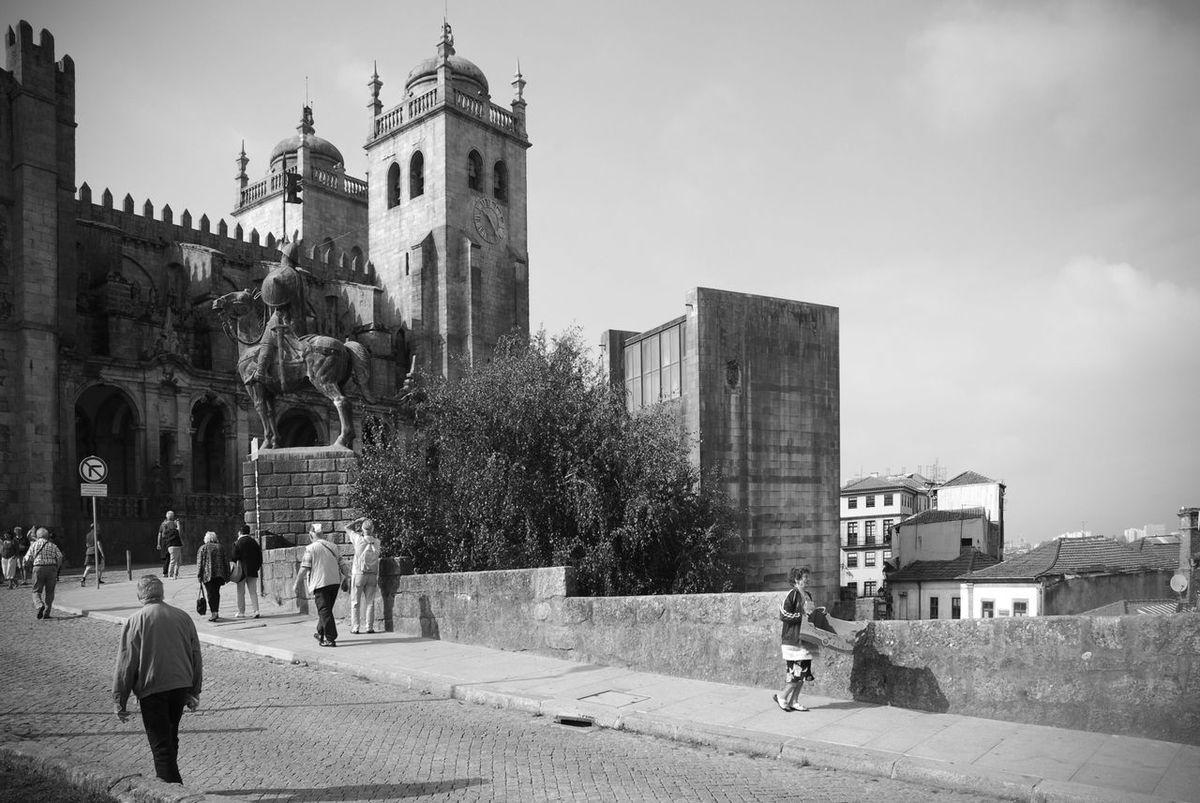 Architecture Black And White Building Exterior Old Town Places Porto Portogallo River Skyline