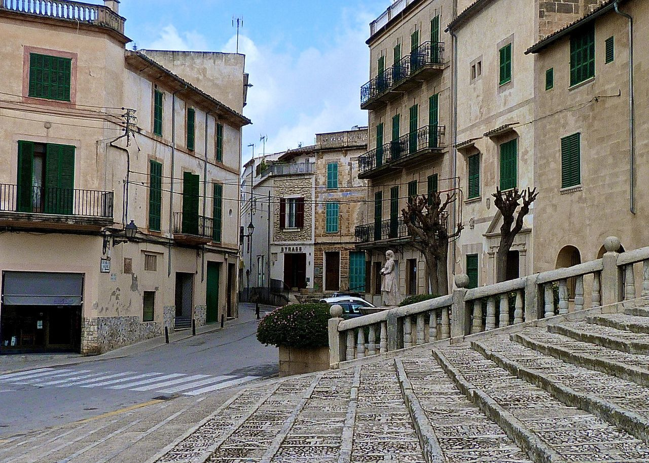 Architecture Diminishing Perspective Empty Enjoying Life Getting Inspired Holiday Lifestyles Mallorca Mallorca_Rural Outdoors Residential Building Sky SPAIN Stairs Streetphotography Sunny Adapted To The City The Way Forward Town Traditional Travel Vanishing Point Walking Around Walkway Wineandmore