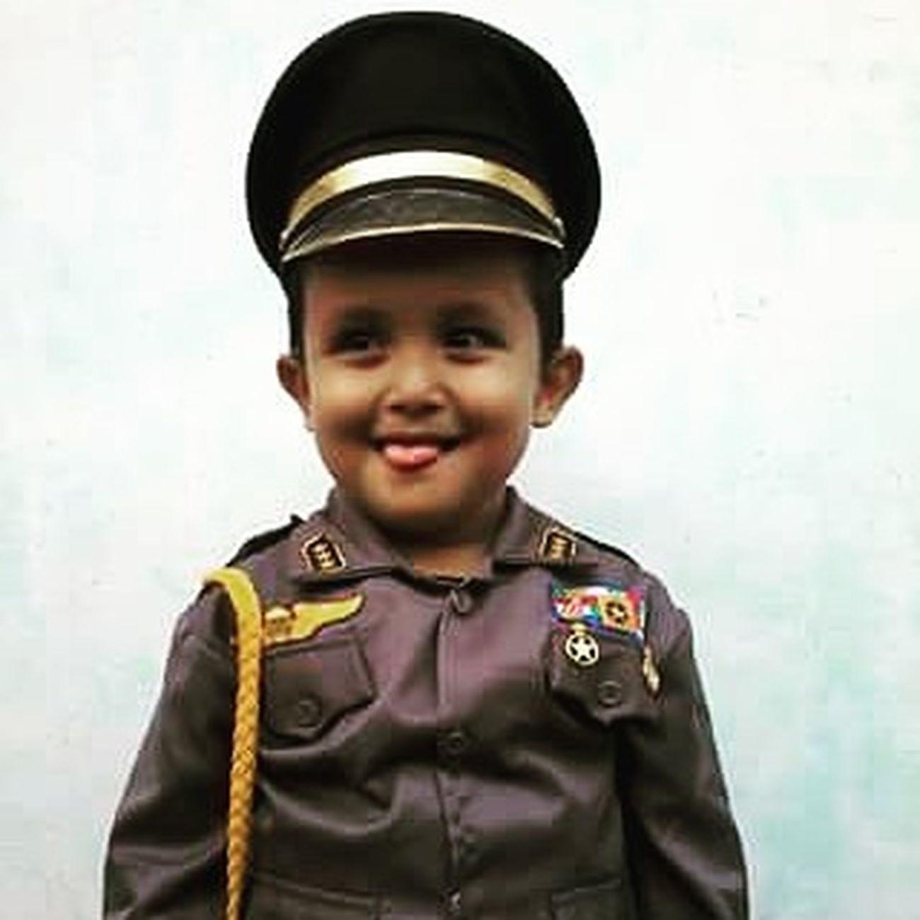 Polisi  Imut dari Kauman Selatan . senyumselalu :-)