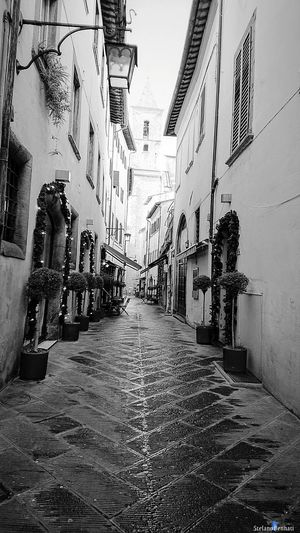 Sky Outdoors City Street Xzpremium Xperia Black & White Arezzo Arezzox The Week On EyeEm City Italy 🇮🇹 EyeEm Ready   Al Now!