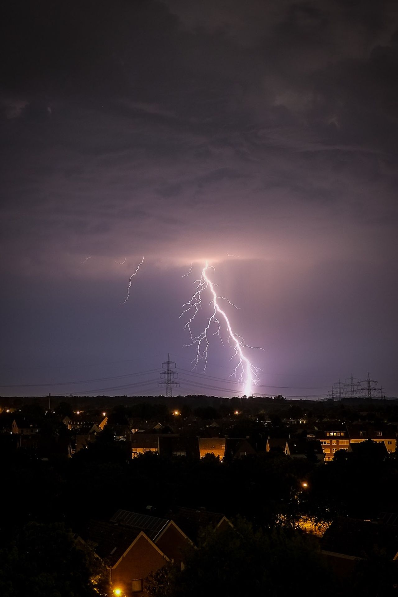 Beautiful stock photos of lightning, Beauty In Nature, Built Structure, City, Cloud - Sky