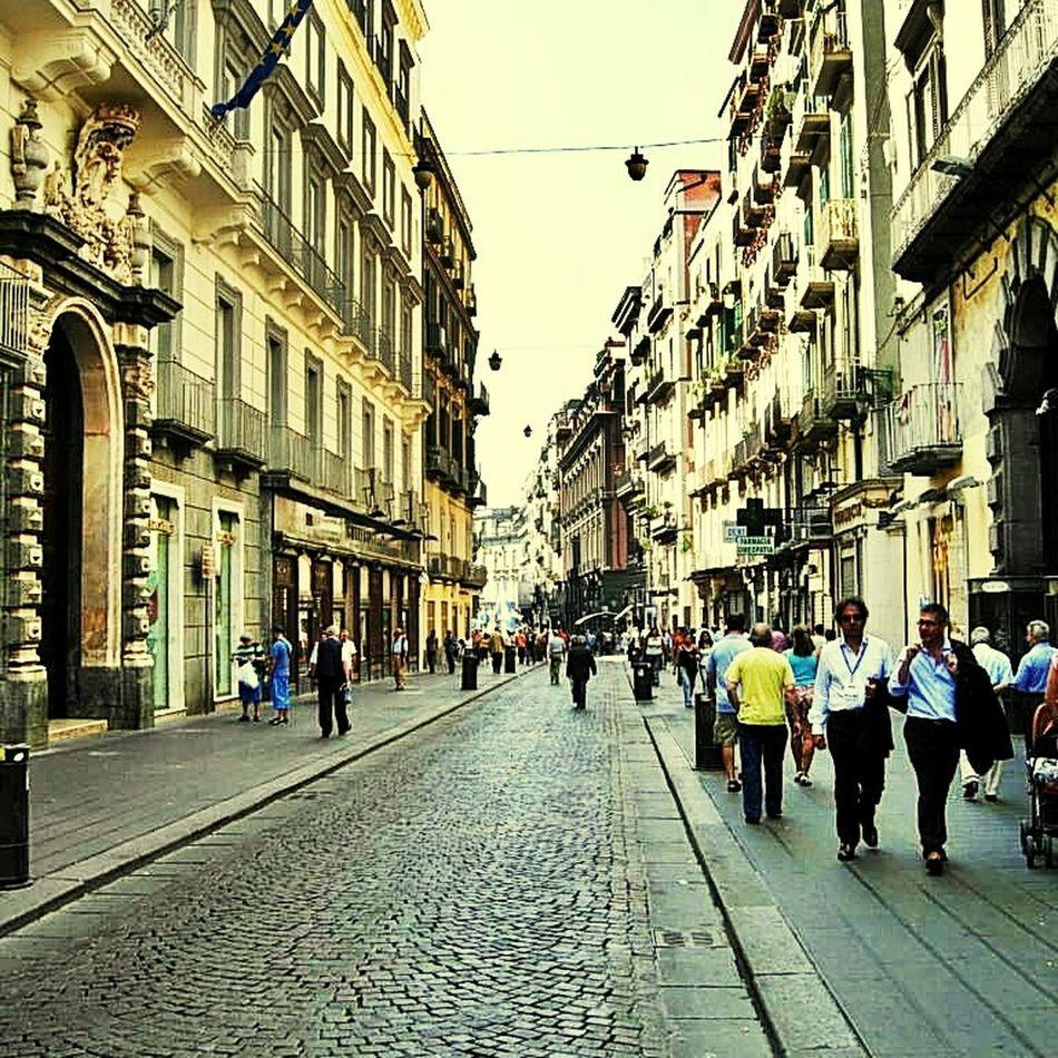 Italia Milano Morning Streetphotography Checking In Having Fun