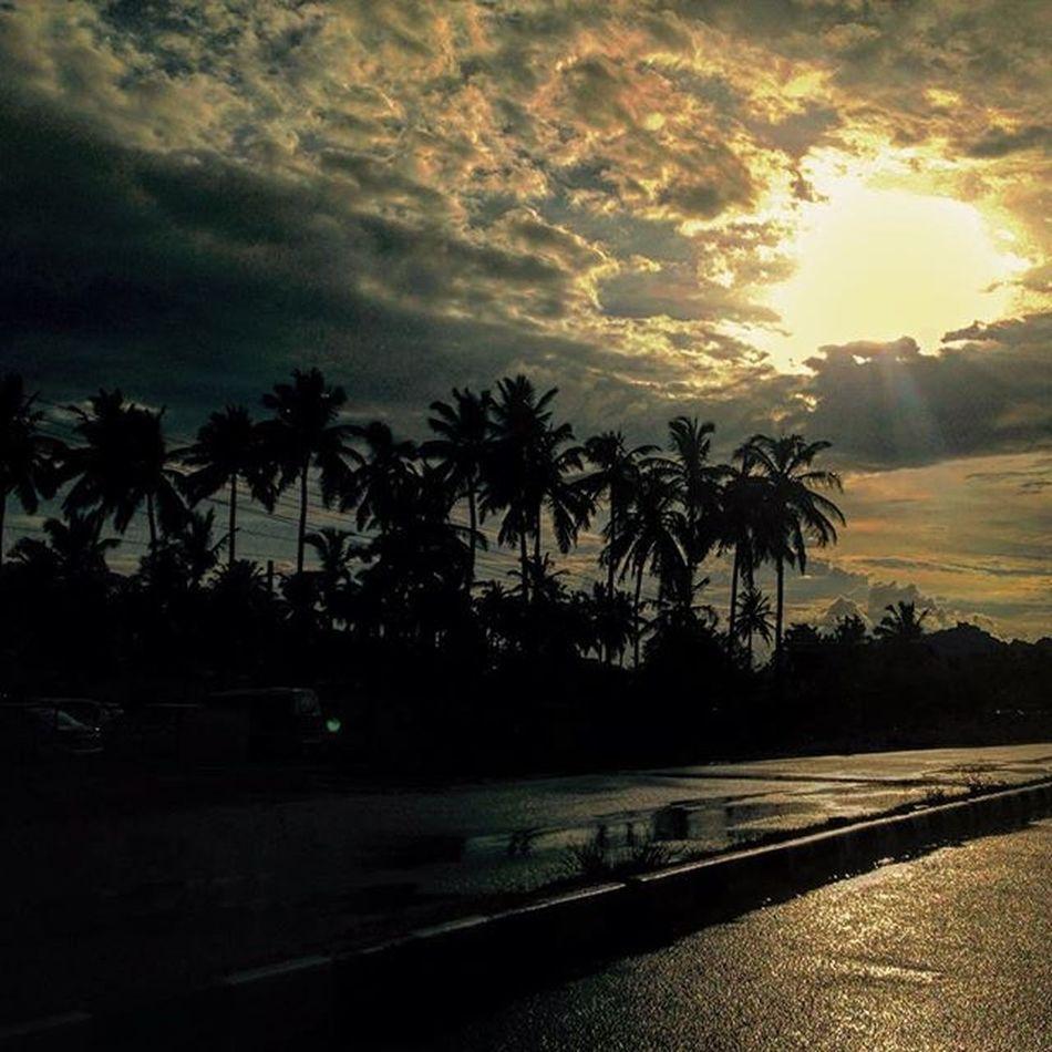 Ssunshot Rain Reflection Highway Raid VSCO Vscocam IPhone India Namma_bengaluru Namma_karnataka Nkmemes Clouds Vamp Hastags Swag :D Travel Friends Trees Instapic Fb Instaiphone Instairis Instaphotography