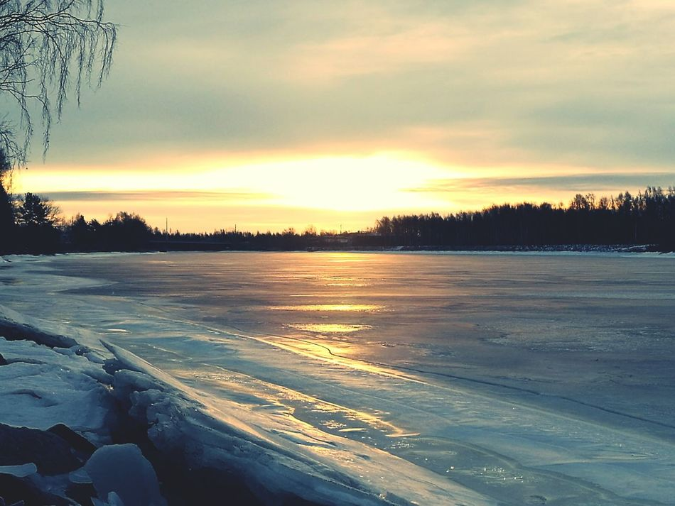 River View Iced River ❄ Sunrise