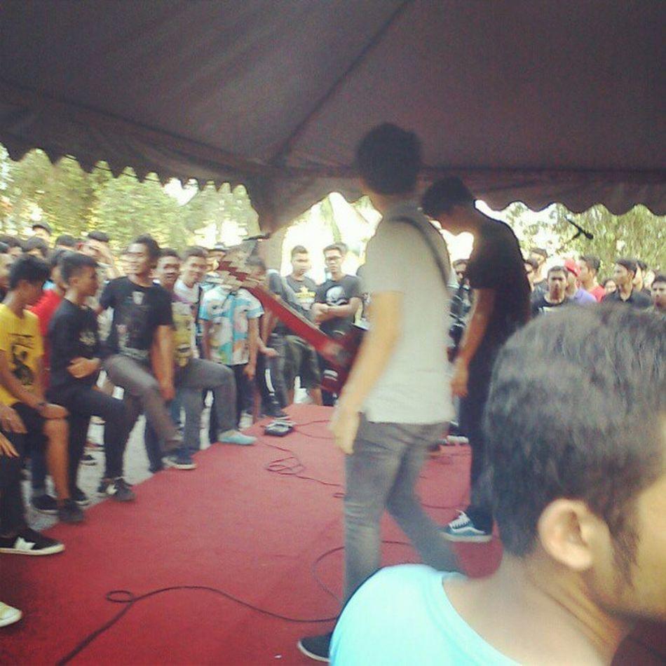 Sekumpulan Orang Gila live at Northern's On Wildness 2013. Nowfest Lagunamerbokclub MyMC Crowd
