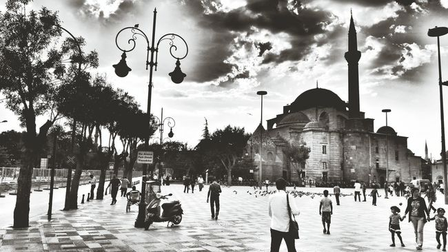 That's Me Taking Photos Photography Blackandwhite Silhouette On The Road Streetphotography Streetphoto_bw Landscape Camii