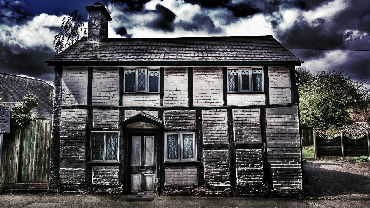 architecture, built structure, building exterior, sky, cloud - sky, outdoors, no people, abandoned, house, day