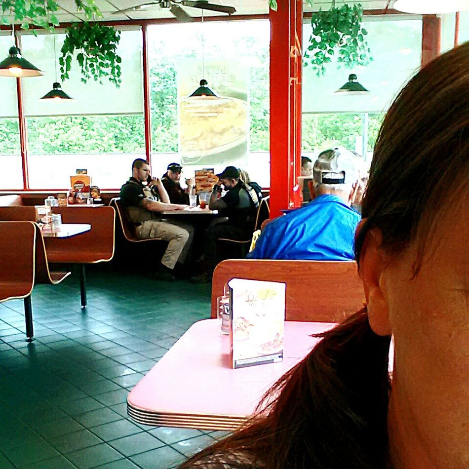 At the Huddle House in East Tennessee waiting for the rain to let up ( and having some Pretty Good Food and Coffee ) when I notice Leland from Dog The Bounty Hunter and his crew with their Latest Catch. If you're up In The Mountains toward Cleveland, TN -do yourself a favor and stop in. Great Service, Hot Coffe..☕️☕️, Excellent Breakfast and never know who you'll run into. Enjoying Life My Life In Photos What A Wonderful World JustJennifer@TruthIsBeauty TruthIsBeauty 💯 Check This Out Jennifer @TruthIsBeauty 71 EyeEm Gallery Don't Run From Your Problems Bountyhunters EyeEm Best Shots - The Streets Eyeem 🍀lucky Shots