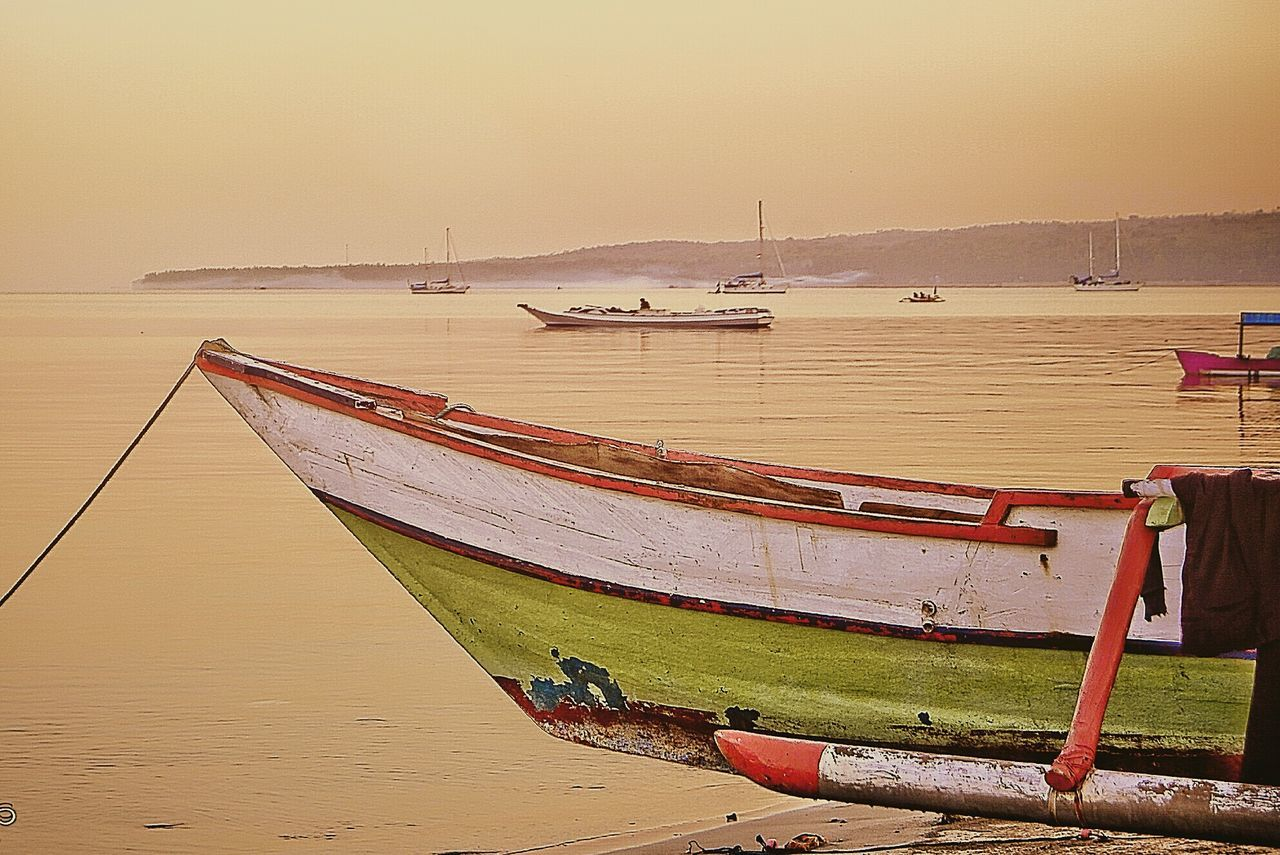 Ready to morning sail Boats Seascape Seaside Morning Beachphotography Indonesia_allshots Island Beach Traditionalboat INDONESIA