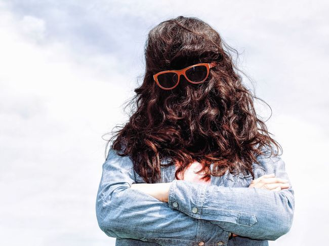 Chewbacca style... Let Your Hair Down Fun VSCO Cam Enjoying Life Outdoors Having Fun Taking Photos Vscocam Hello World Relaxing Outdoor Photography EyeEm Eye4photography  Streetphotography City Life Glasses My Favorite Photo Made In Romania Beautiful Woman Portrait The Portraitist - 2016 EyeEm Awards Woman