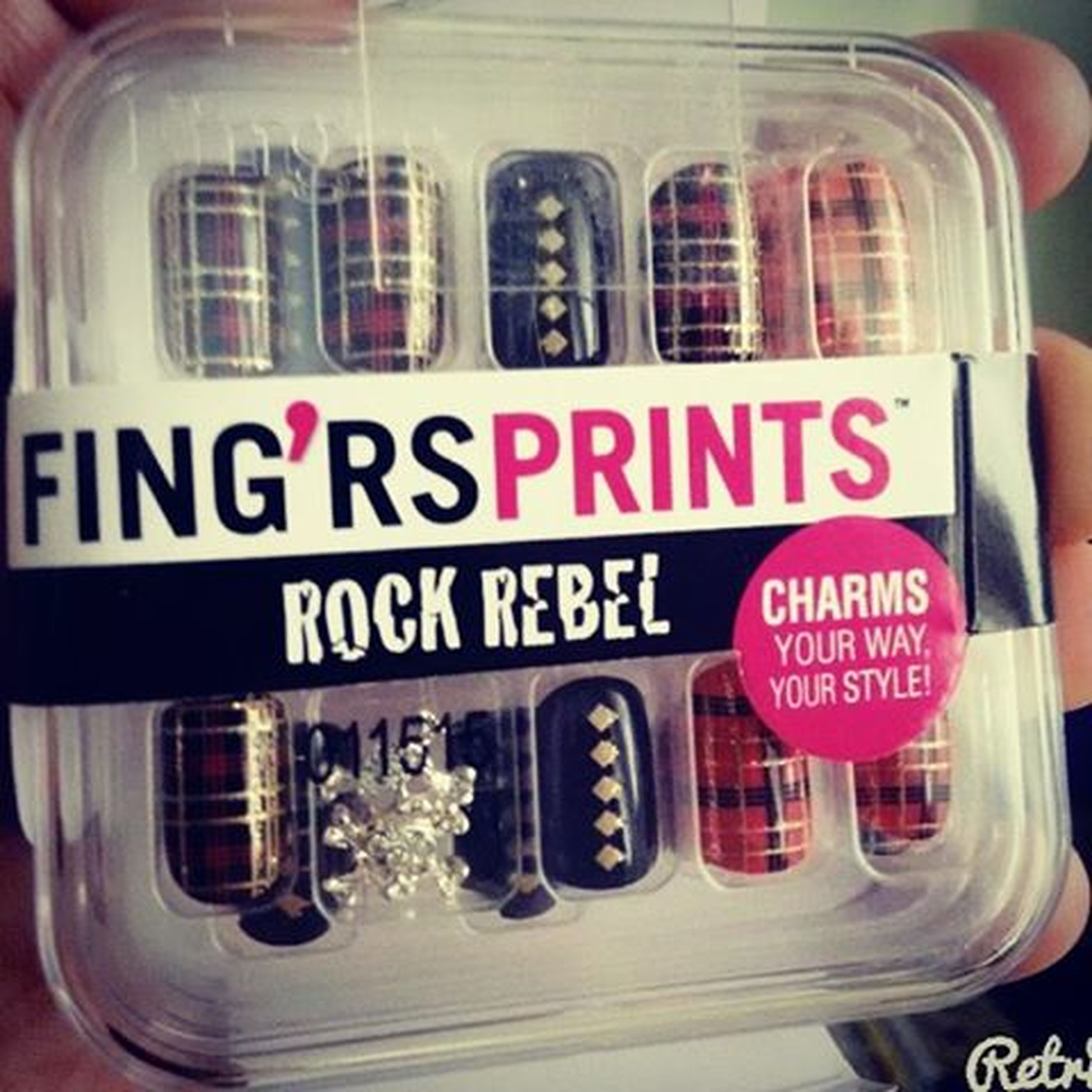 Rainy weather means it's time to do my nails... 💅 Fingrsprints Fingrs Manicurefriday Nailart
