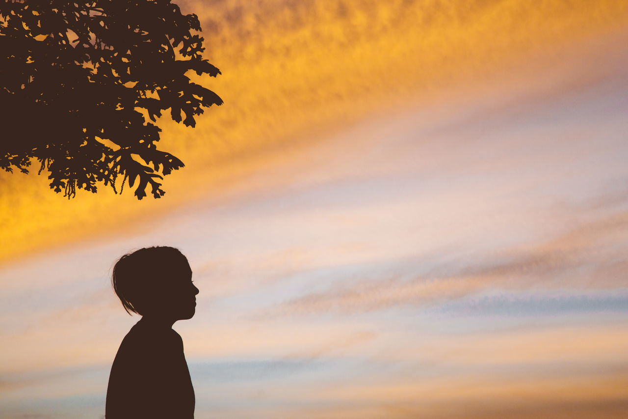 Beauty In Nature Child Childhood Iconic Lifestyles Nature One Person Orange Color Pastels Peaceful Person In Nature Profielstellen Real People Scenics Silhouette Sky Standing Sunset