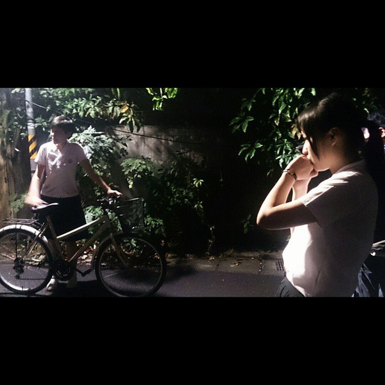 Instasize Photooftheday Vscocam Vfs2 hkig jpig twig twigers student bike streetlights plants 到了這個時候思緒頻頻冒出來 質跟量