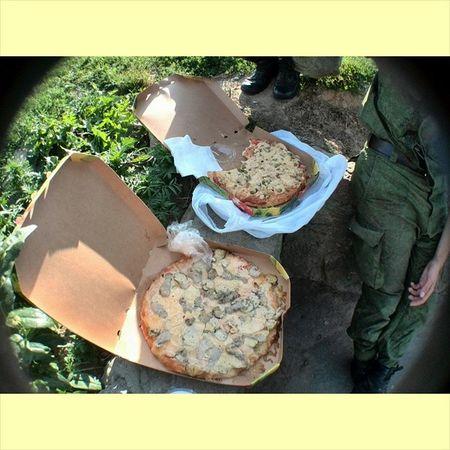 Ага,где ж еще шиковать как не тут?) Осталось шлюшек - 93. Army Pizza Friends Chillsnotskills food