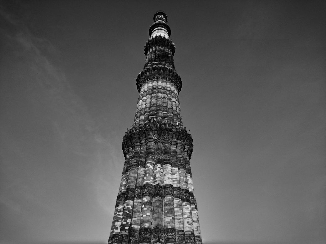 India Qutab Minar Delhi Gray Background Close-up Sky History Architecture Historical Place No People Outdoors Photograpghy  EyeEm Gallery Eyemphotography Beatiful View EyeEm Best Shots Textures And Surfaces Artistic Art Is Everywhere Artistic Photography