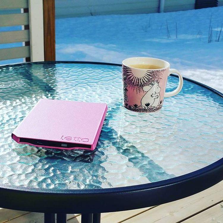 Terassi auki! 😎 Winter Spring Summeriscoming Moomin Muumimuki Coffeetime Lettofrontlight Letto Reading Booklover Weekend Friday Funday