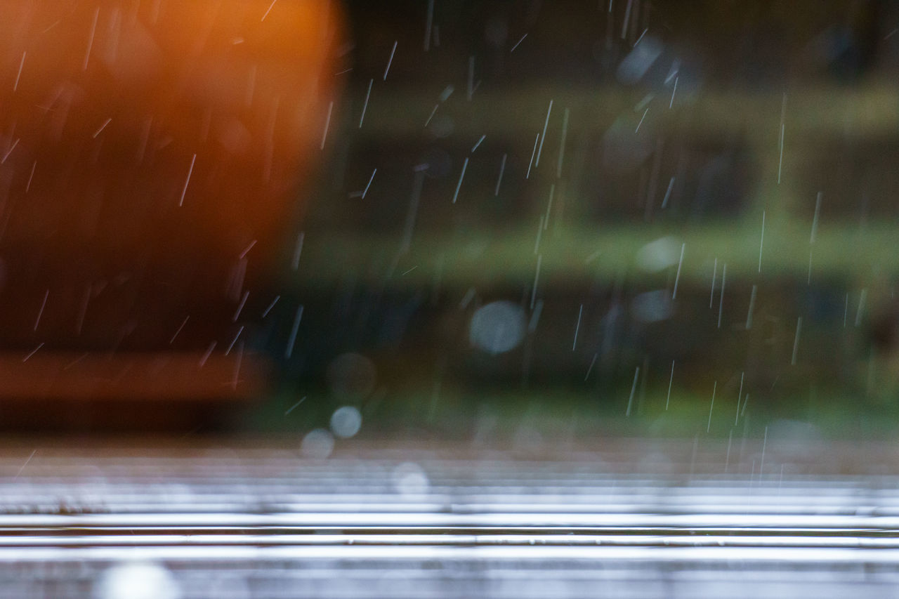 London's crazy Rain☔ from my Garden Long Exposure Macro EyeEm Best Sellers Simplistic Orange Outdoor Pot Rain Rain Drops Sony A6000 Terrace Uzun Pozlama Wet Ground Yağmur Sonrası After Rain Bokeh EyeEm Best Shots Daily Commute My Unique Style Capture The Moment Creative Light And Shadow It's Cold Outside