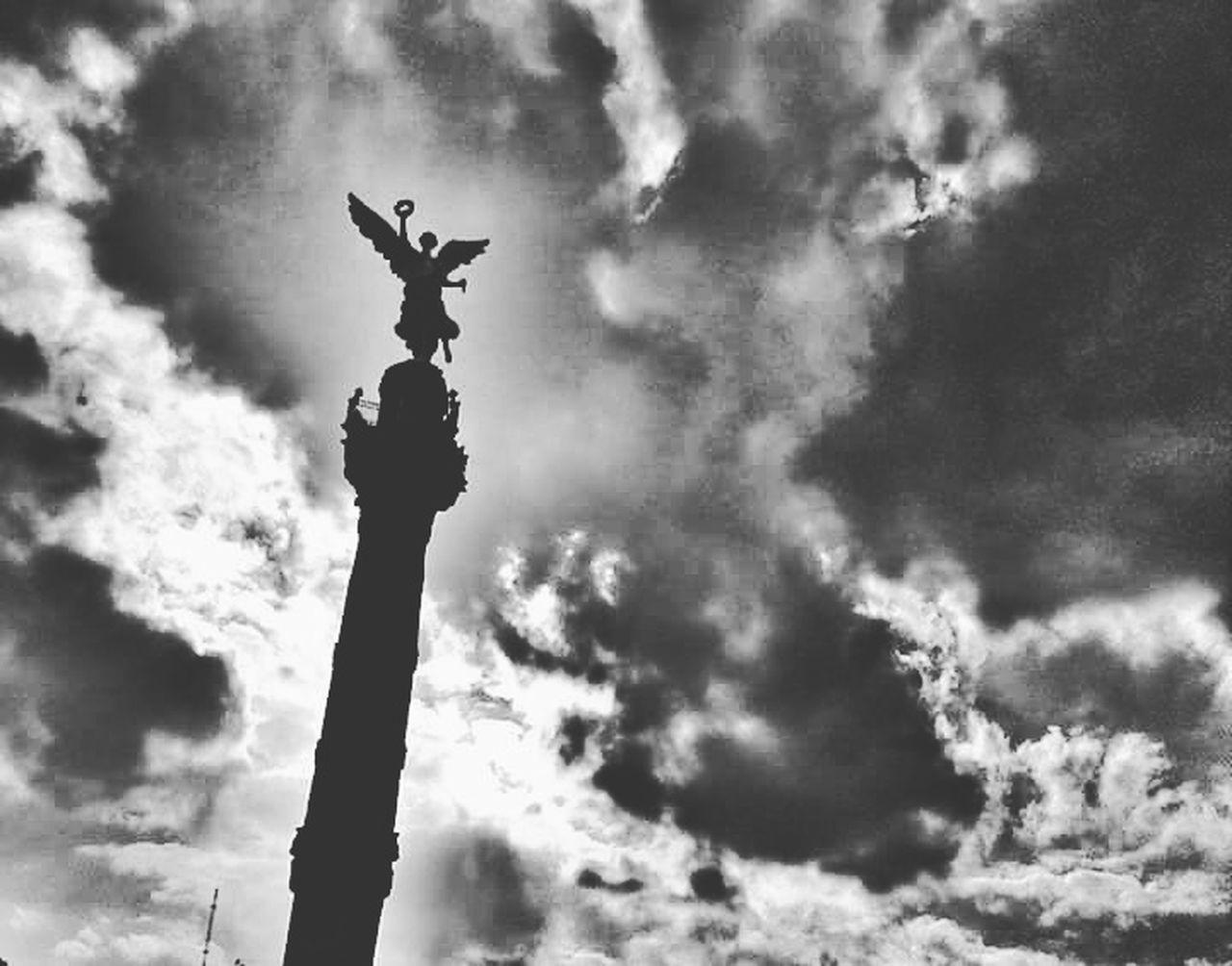 Angel a contraluz Cloud - Sky Sky Cloudy Monument Eye4photography  EyeEm Best Shots Eye4photography  Mexicocity  Cdmx Urban Scene Sculpture Blackandwhite Photography