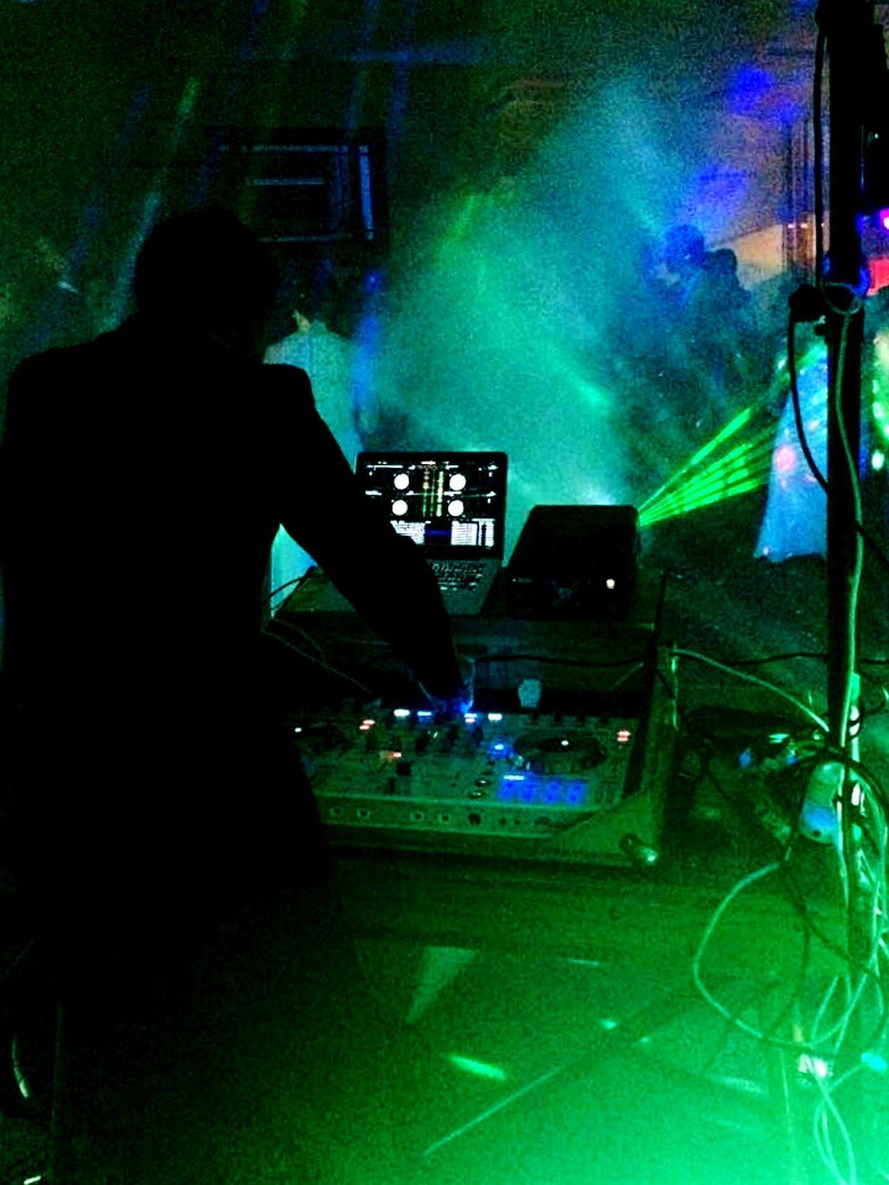 Whangarei Girls high Ball DJing Pioneerdj Nightclub Music Myjobdoesntsuck DDJ-SX Professional Bestjobever Performance Stage Lights Beer Bitchdontkillmyvibe💤💤