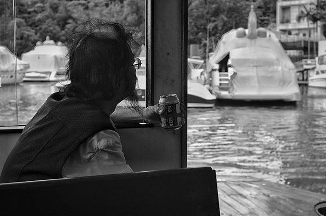 船、海和啤酒,是只属于男人的浪漫。 Boat and sea and beer,these are Man's romantic! X-pro2 JPG output with acros Fujifilm Fujifeed Fujilove Fujifilm_xseries FujifilmXPro2 Fujifilm_xpro2 Xpro2 Canon35LTM Canonltm AcroS Streetphotography Streetshoot Streetphoto Streetpic StreetLife_Award Street_capture Ig_street Blackwhite 黑白 Silvermagnum Silvermag Bw Bnw Bw_magazine Bnw_capture bnw_life_shots monochrome