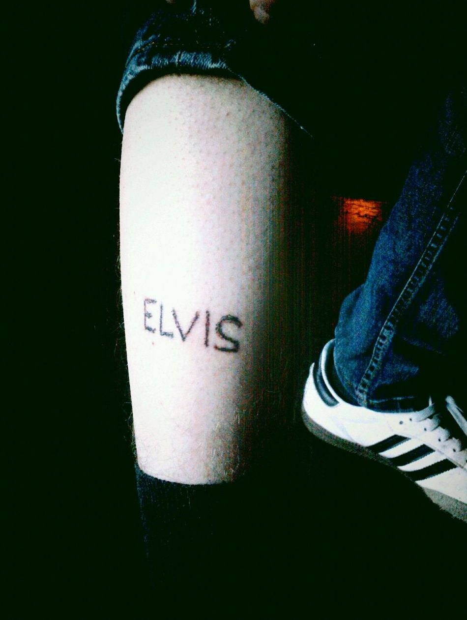 Tattoo Close-up One Person Human Body Part Communication Elvis Elvis Presley Elvis❤ Elvispresley Tattooed Tattoos Tattoo ❤ Tattoo Life Tattooart Tattooman Tattooartist  Old Style Tattoo Old Style Tattoos Indoors  People Text Lifestyles Low Section Day Adult EyeEmNewHere