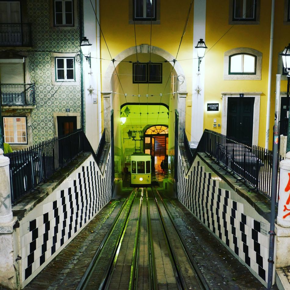 Lisbon Lisboa Lisbonne Ascensor Ascenseur Bica Street Streetphotography Street Photography Building Exterior Tranport Transportation Outdoors Tram Rue City Night Finiculare Portugal Cityscape