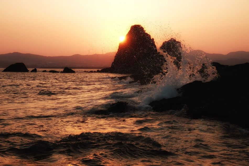 Sunset Beauty In Nature Sea Power In Nature Silhouette Clear Sky Wave My Point Of View Life Is A Beach EyeEm Gallery EyeEm Best Shots Waterfront Sunlight Sunset_collection Sunset Silhouettes EyeEm Nature Lover