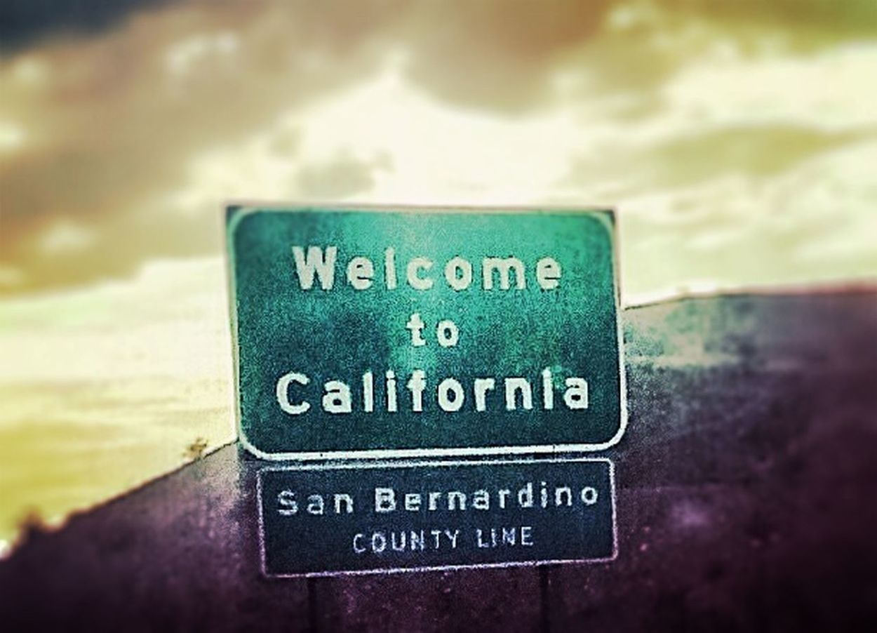 Welcome To Cali StateLine Welcomesign Movetolosangeles Highways&Freeways Reststop